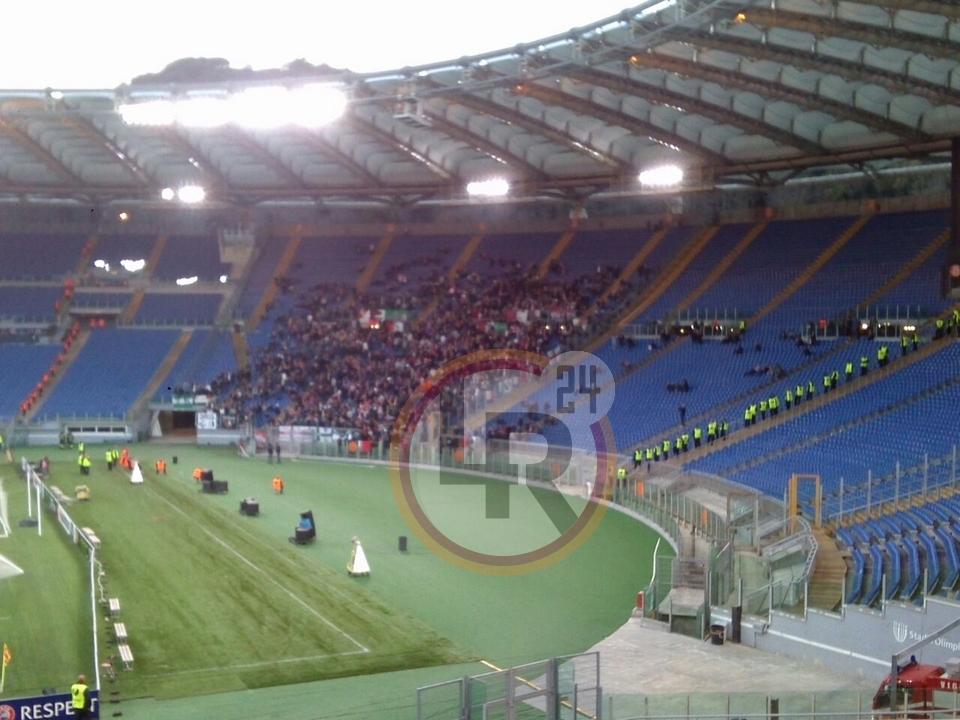 Roma Feyenoord I Tifosi Olandesi Lasciano L 39 Olimpico