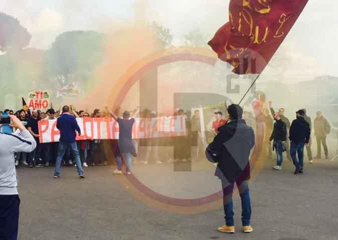 Roma Atalanta Contestazione All 39 Esterno Dell 39 Olimpico