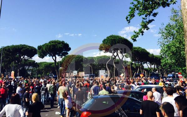 Opening Day Ritardi Nell 39 Apertura Dei Cancelli Migliaia