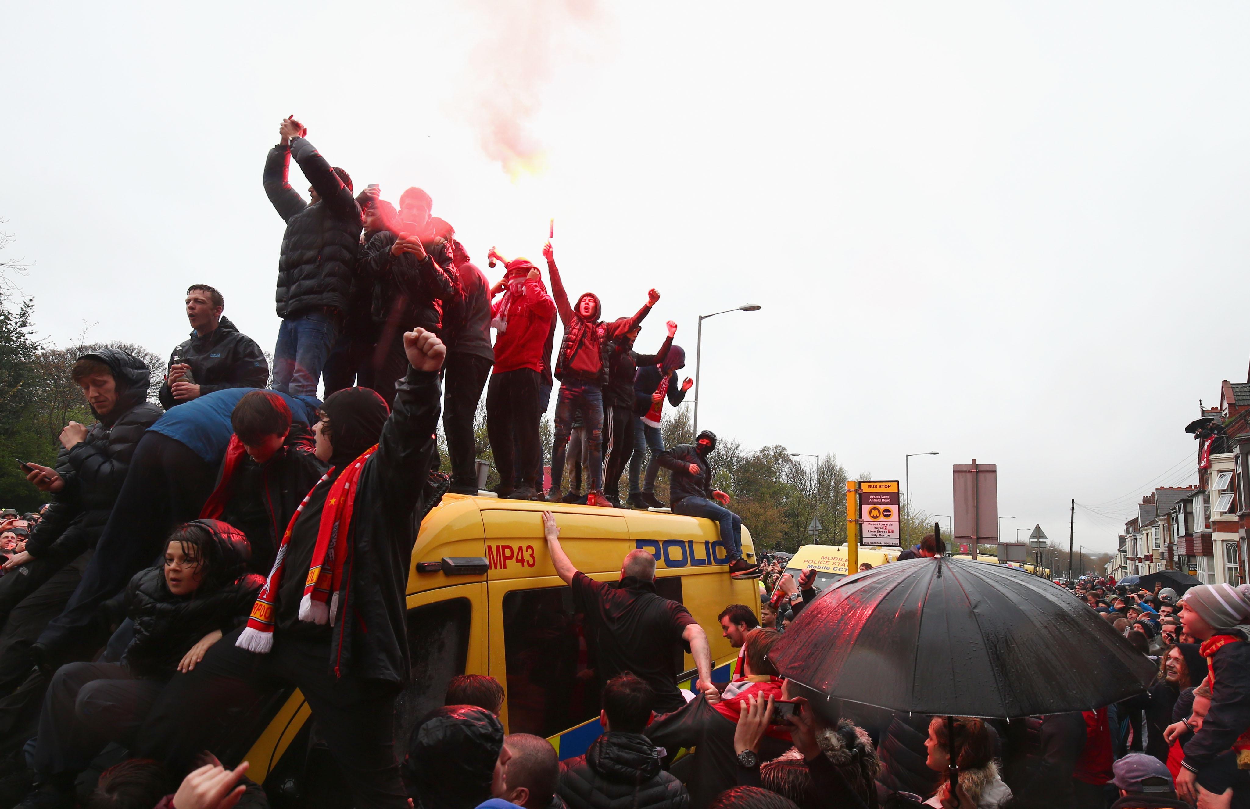 Liverpool Roma Tafferugli Nel Prepartita All 39 Esterno Di
